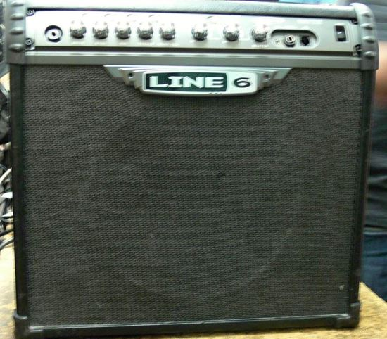 Picture of LINE 6 GUITAR AMPLIFIER WITH EFFECTS SPIDER III