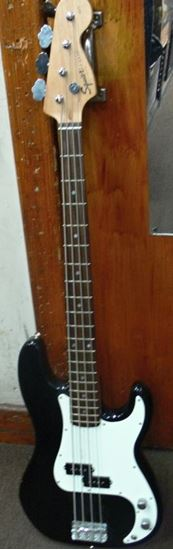 Picture of FENDER SQUIER P BASS 4 STRING