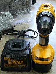 """Picture of DEWALT DC759 18V 1/2"""" CORDLESS DRILL/DRIVER WITH CHARGER DW9116"""