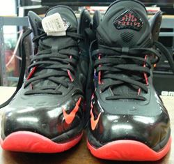 Picture of NIKE AIR MAX  HYPERPOSITE SIZE 8 SNEAKER