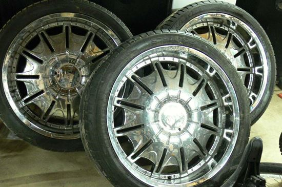 "Picture of 4 PLAYER 24"" CHROME RIMS AND TIRES 5 PLUG UNIVERSAL"