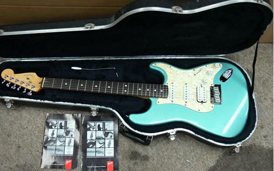 Picture of FENDER STRATOCASTER AMERICAN 1997 MADE IN THE USA GUITAR
