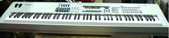Picture of YAMAHA M08 MUSIC PRODUCTION SYNTHESIZER KEYBOARD