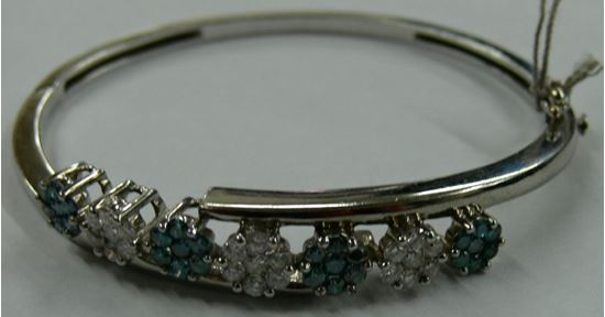 Picture of BANGLE BRACELET WITH DIAMONDS 14K WHITE GOLD