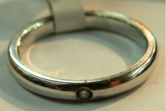 Picture of PLATINUM BAND WITH DIAMOND