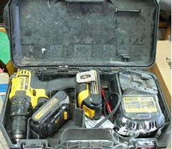"""Picture of DEWALT DCD780 1/2"""" CORDLESS DRILL DRIVER W/ CHARGER & BATTERIES"""
