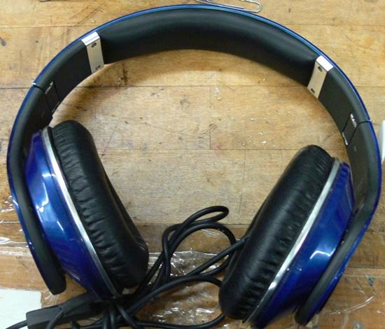 Picture of BEATS BY DR. DRE STUDIO OVER-EAR HEADPHONES BLUE