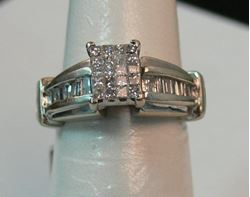 Picture of 14K WHITE GOLD WOMENS DIAMOND RING SZ-6.5 6.1G