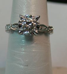 Picture of 14K WHITE GOLD DIAMOND RING SZ-6 2.4G