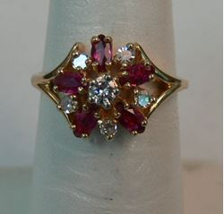 Picture of 14K YELLOW GOLD ING WITH DIAMONDS AND RED STONES SZ-6 3.2G
