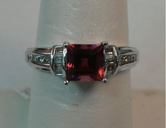 Picture of 10K WHITE GOLD DIAMOND RING WITH PINK STONE SZ-7 2.9G - $225