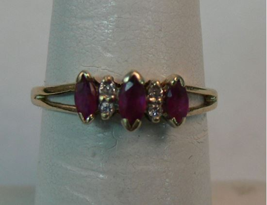 Picture of 10K YELLOW GOLD RING WITH RED STONES & DIAMONDS SZ-6 1.4G