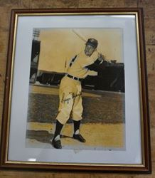 Picture of ROGER MARIS HAND SIGNED VINTAGE BLACK AND WHITE PHOTO WITH C.O.A