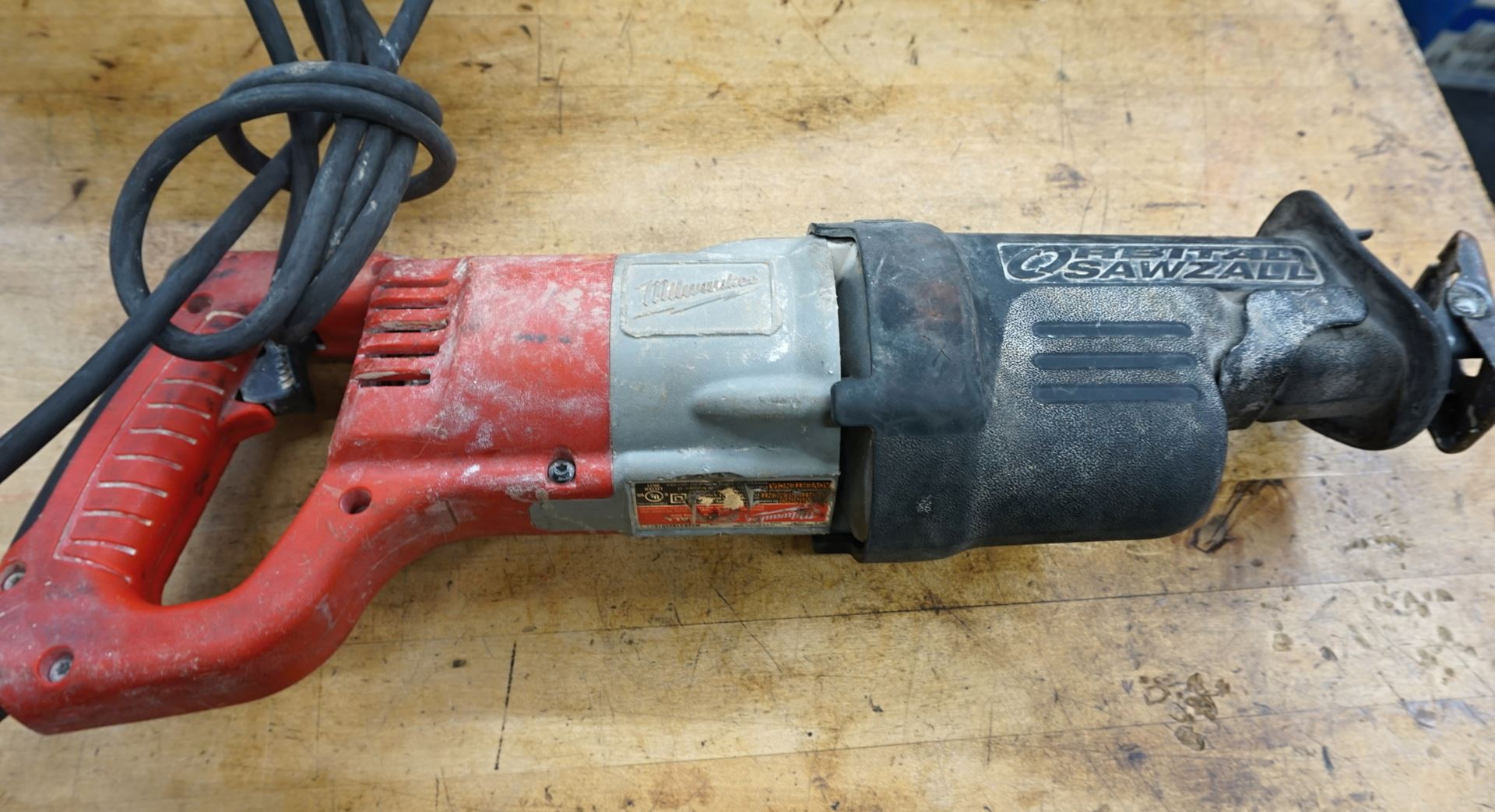 Milwaukee 6520 21 >> Milwaukee Sawzall 6520 21