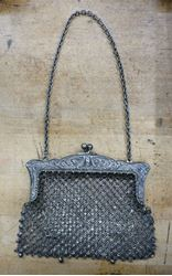 Picture of EDWARDIAN ANTIQUE JWR CO GERMAN SILVER CHAINMAIL BAG EARLY 20TH CENTURY.