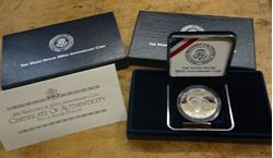 Picture of 1992 The White House 200th Anniversary Coin Proof Silver Dollar with Box and COA