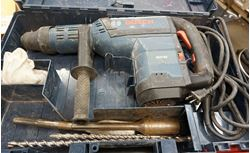 Picture of BOSCH HAMMER DRILL RH745 W CASE PRE OWNED GOOD CONDITION