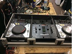 Picture of Pair of 2 pioneer cd mixers CDJ400 with Gemini cd mixer PMX-16