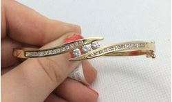 Picture of 14kt yellow gold bangle bracelet with 1 carat total weight round diamonds 16.6 gr 829282-1