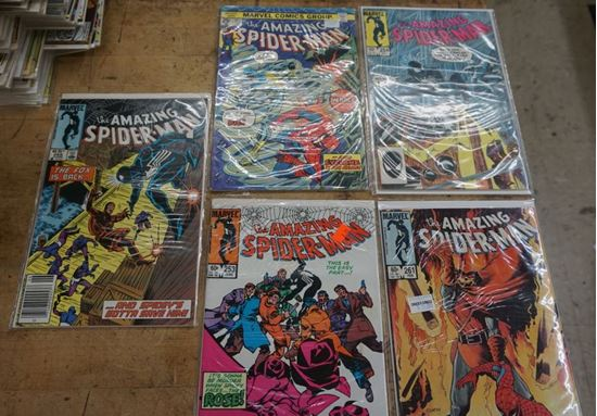 Picture of LOT 5 MARVEL COMICS THE AMAZING SPIDER MAN 265 JUNE;253 JUNE;261 FEBRUARY;254 JULY;143 APRIL. MINT CONDITION. COLLECTIBLE.