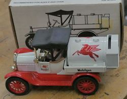Picture of 1992 ERTL Die Cast Bank 1918 Ford TANKER 1:25 SCALE w/ Key NEW. IN BOX.